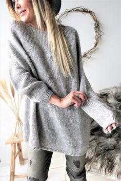 A wide selection of beautiful knitwear and cardigans - fall in love with our famous knits. Comfy mohair, soft cotton, stylish merino and luxurious cashmere - our knitwear selection offers wonderful options for every occasion. Knit Fashion, Womens Fashion, Winter Outfits, Winter Clothes, Natural Linen, Knitwear, Jumper, Autumn Fashion, Tunic Tops