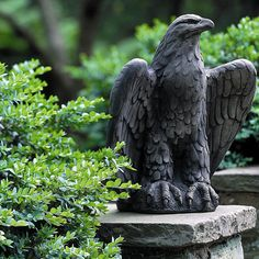 Campania International, Inc Eagle Looking Statue Color: English Moss, Configuration: Right
