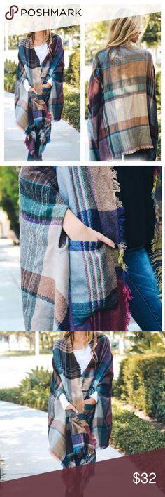 "💕Plaid Multi Color Print Poncho Plaid Poncho with pockets!  Size 40"" x 27"" Boutique Sweaters Shrugs & Ponchos"