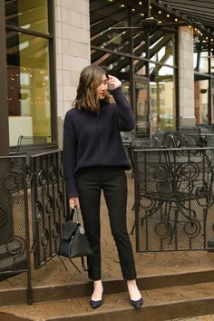 45 Brilliant Professional Work Outfit Ideas To Try Right Now - Fashion and style are two important things that we should always consider when wearing uniforms or any type of clothing. Comfy Work Outfit, Casual Work Outfits, Winter Outfits For Work, Business Casual Outfits, Warm Outfits, Office Outfits, Work Casual, Business Attire, Smart Casual Women Office