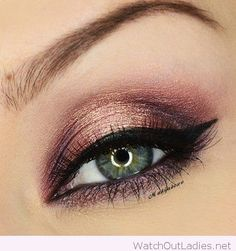 Rose gold eye makeup for blue eyes