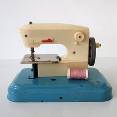 Vintage Toy Sewing Machine  Ma Cousette by pukpuk on Etsy
