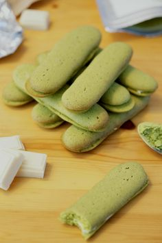 Langues de chat (cat tongues) ​​matcha tea and white chocolate Philippe Conticini
