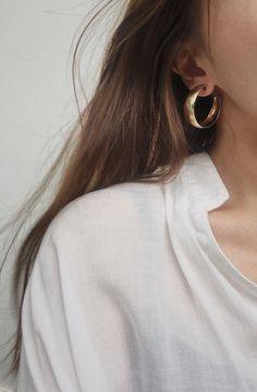 Large curved hoops in gold. The Contour Hoop Earrings by TheHexad Large curved hoops in gold. The Contour Hoop Earrings by TheHexad Platinum Earrings, Gold Hoop Earrings, Crystal Earrings, Gold Hoops, Diamond Earrings, Bar Earrings, Bridal Earrings, Diamond Brooch, Flower Earrings