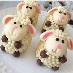 No photo description available. Eid Crafts, Edible Crafts, Cute Snacks, Cute Food, Sheep Cake, Biscuits, Birthday Presents For Mom, Fondant Animals, Fondant Decorations