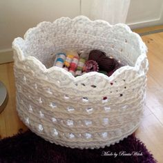 A basket of yarn for yarn - made from a Drops pattern with a few alternations. I'll show you how. http://bautawitch.se/2013/05/05/diy-en-korg-av-garn-for-garn/