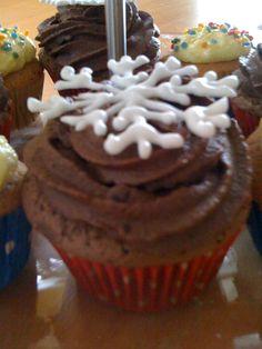 Snowflake Cupcake Winter Cupcakes, Snowflakes, Desserts, Food, Meal, Snow Flakes, Deserts, Essen, Hoods