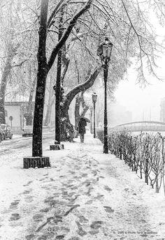Snow in Sarajevo IX(BW) by tarikjesenkovic