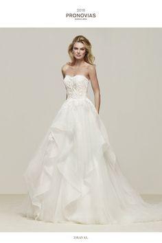 f75b9665b0 Great wedding dress with skirt with cascading frills - Draval - Pronovias