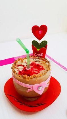VALENTINE'S DAY SMOOTHIE Birthday Candles, Smoothie, Panna Cotta, Valentines Day, Ethnic Recipes, Food, Banana, Valentine's Day Diy, Dulce De Leche