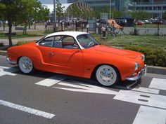 Mid-sixties VW Karmann-Ghia - My dad had this car in green! Volkswagen Karmann Ghia, Vw T1, Combi Wv, Vw Classic, Classic Style, Vw Cars, Pedal Cars, Small Cars, Motor Car
