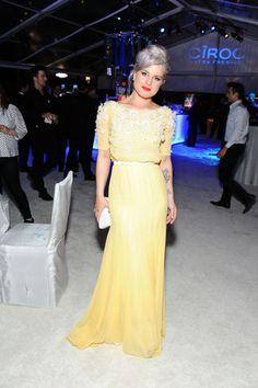 Love the buttermilk yellow that Kelly Osbourne is wearing.