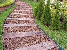 Resultado de imagen para caminos rusticos para jardines