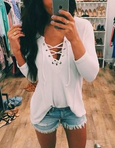 Wheretoget - White mid-sleeved criss-cross shirt with ripped blue denim shorts
