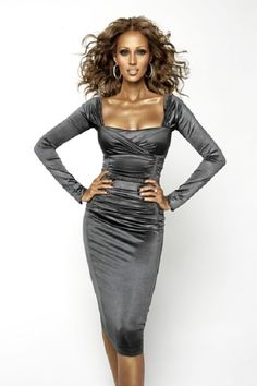 African model Iman of Somalia, Africa her style, her culture was her attitude, Ms. Beautiful Black Women, Beautiful People, Iman And David Bowie, Iman Bowie, Dark Skin Models, African Models, Mode Top, Thing 1, Supermodels