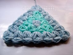 Puff Jasmine stitch triangle. This listing is for the PDF PATTERN FILE ONLY, NOT THE FINISHED PRODUCT. - Level: Intermediate - You will need to