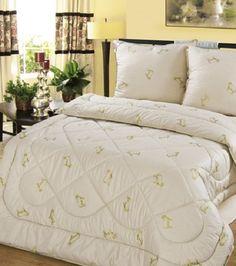 De deken is gewatteerd met schapenwol Winter door LuxuryTextiles37