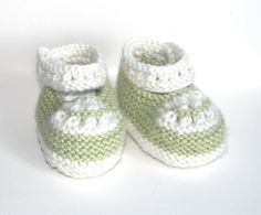 Hand Knitted Baby shoes in Cashmerino pale green and by NAttic Knit Baby Shoes, Baby Booties, Baby Knitting, Knitted Baby, High Fashion Dresses, Knitwear, Booty, Trending Outfits, Unique Jewelry