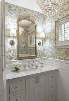 Powder room with floral wallpaper & gold fixtures Baños Shabby Chic, Shabby Chic Furniture, Shabby Cottage, Bathroom Renos, Small Bathroom, Master Bathrooms, Bathroom Ideas, Bathroom Designs, Modern Bathroom