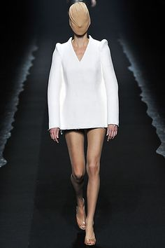 Maison Martin Margiela Spring 2009 Ready-to-Wear Collection Slideshow on Style.com