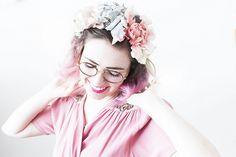 Blomsterkrans | Elsa Lisa Larsson Elsa, Crown, Diy, Fashion, Moda, Corona, Bricolage, Fasion