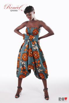 Love this African fabric jump suit Ghana Fashion, African Fashion, Love Fashion, Fashion Outfits, Fashion Design, African Jumpsuit, African Dress, African Clothes, African Wear