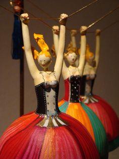 Trapezistas by Gina Celeghini, Brazilian Artist form Minas Gerais.