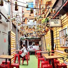 18 places to have Lunch in Melbourne Chuckle Park - Melbourne Big cities always have cute cafes. This one especially caught my eye!Chuckle Park - Melbourne Big cities always have cute cafes. This one especially caught my eye! Melbourne Restaurants, Melbourne Travel, Melbourne Food, Melbourne Australia City, Melbourne Attractions, Melbourne Laneways, Perth Australia, Western Australia, Melbourne Victoria
