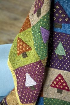 Nordic Throw Knitting pattern by Martin Storey This Fairisle patchwork throw (from Martin's Easy Fairisle Knits) is a great 'stash buster' project to knit on the go. Manta Crochet, Knit Or Crochet, Knitted Afghans, Knitted Blankets, Knitting Projects, Crochet Projects, Sewing Projects, Easy Craft Projects, Fair Isle Knitting Patterns