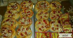 Resep Pizza mini ala tintin rayner favorit. Pizzanya empukk..puk..pukk...mantapp pokoknya.membuat pembeli tdak kecewa 😋 Aku bikin untuk jualan.bikinnya 1/2 resep dari resep aslinya.maklum pemula tkut g habis 😂..alhamdulillah kmrin habis 😊