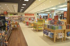 Borders in the UAE, designed by Mynt Design http://www.retail-focus.co.uk/features/1697-reading-between-the-lines-bookstores