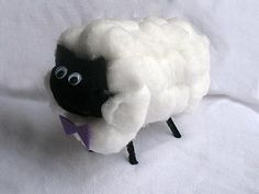 This adorable cardboard tube lamb is made with a bag of cotton balls and a toilet paper roll.
