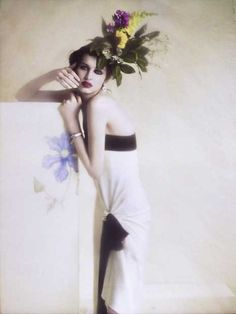 Flapper inspiried fashion and fancy flowers...
