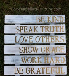 Pallet Sign Art Guide Your Family | Wooden Pallet Furniture