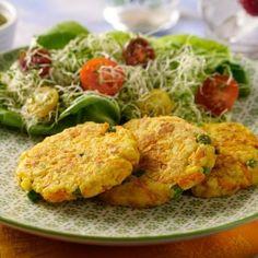 Panqueques de verduras al horno - My kind of recipes - vegetarian - Vegetarian Dinners, Vegetarian Recipes, Healthy Recipes, Baked Vegetables, Veggies, Wok, Clean Recipes, Cooking Recipes, Vegetable Pancakes
