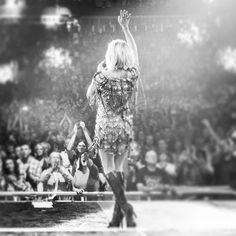 American Country, American Idol, Carrie Underwood Feet, Carrie Underwood Storyteller, Queen Of Everything, Country Music Artists, Chris Young, Dream Job, Carry On