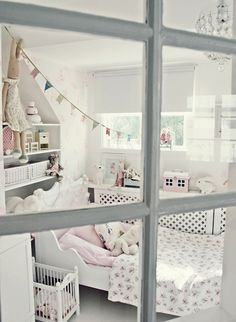 10 White Kids Rooms  // CITYMOM.nl