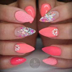 Nail art Christmas - the festive spirit on the nails. Over 70 creative ideas and tutorials - My Nails Peach Nails, Coral Nails, Neon Nails, Love Nails, How To Do Nails, Fancy Nails, Bling Nails, Stiletto Nails, Gorgeous Nails