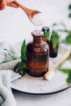 Your E-Organization - Employ An Accountant Or Do It Yourself Say Hello To Minty Fresh Breath With This Essential Oil Mouthwash Hello Glow Jeffree Star, Tea Tree Oil Uses, Healthy Teeth, Mouthwash, Diy Beauty, Homemade Beauty, Beauty Care, Beauty Tips, Health Remedies