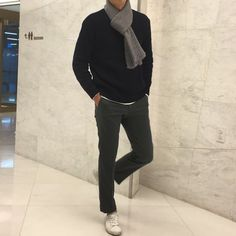 17 Examples Of What Korean Women Love To See Men Wear - Koreaboo Mens Fashion Casual Shoes, Best Mens Fashion, Nude Outfits, Fashion Outfits, Fashion Ideas, Fashion Trends, Streetwear Jackets, Mens Trends, Hoodie Outfit