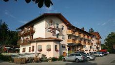 Urlaub im Familienhotel Landhaus zur Ohe in Grafenau - Hoteltest mit Ferenc von Kacsóh - Sehen Sie nun die Reportage bei HOTELIER TV: http://www.hoteliertv.net/weitere-tv-reports/urlaub-im-familienhotel-landhaus-zur-ohe-in-grafenau-hoteltest-mit-ferenc-von-kacsóh/
