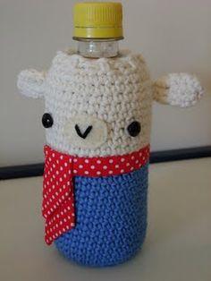 Cute crochet water bottle cozy, spijtig dat ik niet kan haken :) vrijwilligers? :p