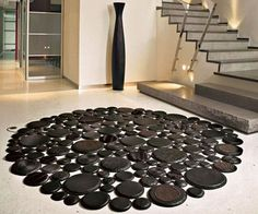 Unique rounds. And ovals we have them including laser cut rugs . Tapis ESSGO carpettes and carpets rugs too.