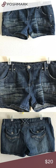 Piama Jean Shorts Size 13 Piama Jean Shorts Size 13 Waist: 16 Length: 10 Fabric: 98% 2% spandex NO Snags or Damages. Smoke Free Home. Piama Shorts Jean Shorts