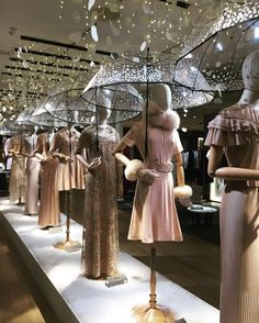 Visual merchandising is often regarded as a mix of art and science, so it can be a complex task. Here are a list of ideas for Visual Merchandising and Boutique Displays.