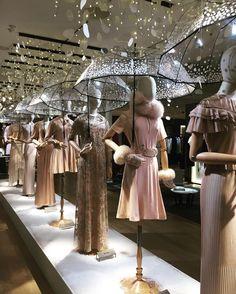 90 best easter spring displays with mannequins images in 2019 rh pinterest com