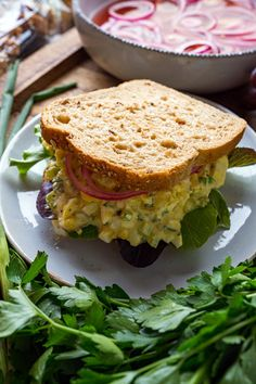 Jun 2019 - The best egg salad sandwiches that are so easy to make! Slider Sandwiches, Egg Salad Sandwiches, Tomato Sandwich, Soup And Sandwich, Sandwich Fillers, Homemade Sandwich, Chicken Curry Salad, How To Cook Eggs, The Best