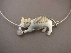 cat_and_ball More from Ahlene Welsh. Her pages have lots of beautiful and creative eye candy.