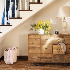 Antes y después: los cambios con chalk paint más espectaculares Dresser As Nightstand, Chalk Paint, Diy Furniture, Stairs, Table, House, Inspiration, Home Decor, Interior Ideas