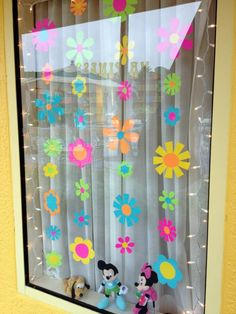 Decoration ideas window decoration ideas for classroom decor cake decoratin Kindergarten Classroom Decor, Diy Classroom Decorations, School Decorations, Classroom Door, Disney Window Decoration, Class Decoration, Disney Rooms, Spring Crafts, Diy Crafts For Kids